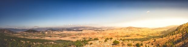 mountain-pano-blue-skies